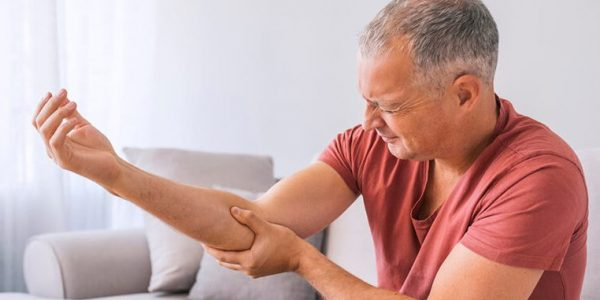 medial-elbow-pain-golfer's-elbow